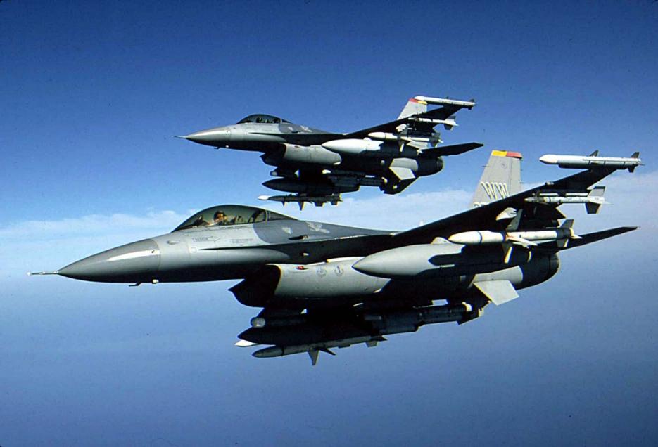 fighter-jet-f16.jpg